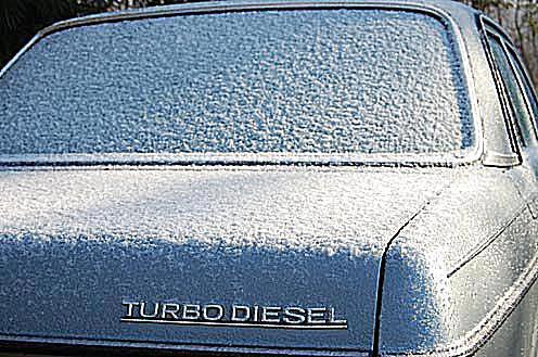 1984 Mercedes 300D in snow - diesel in winter