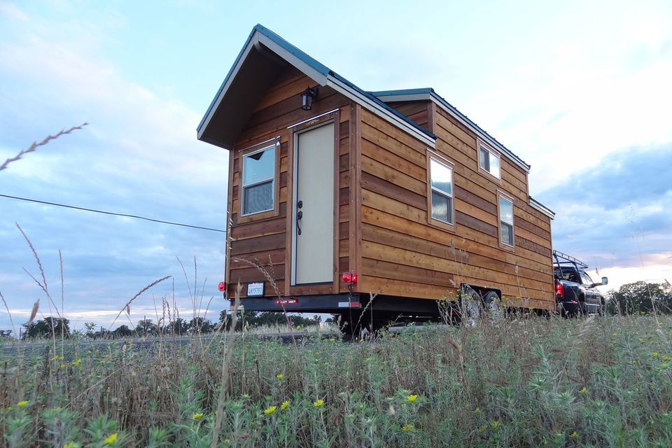 18 small cabins you can diy or buy for 300 and up for Cabin kits northern california