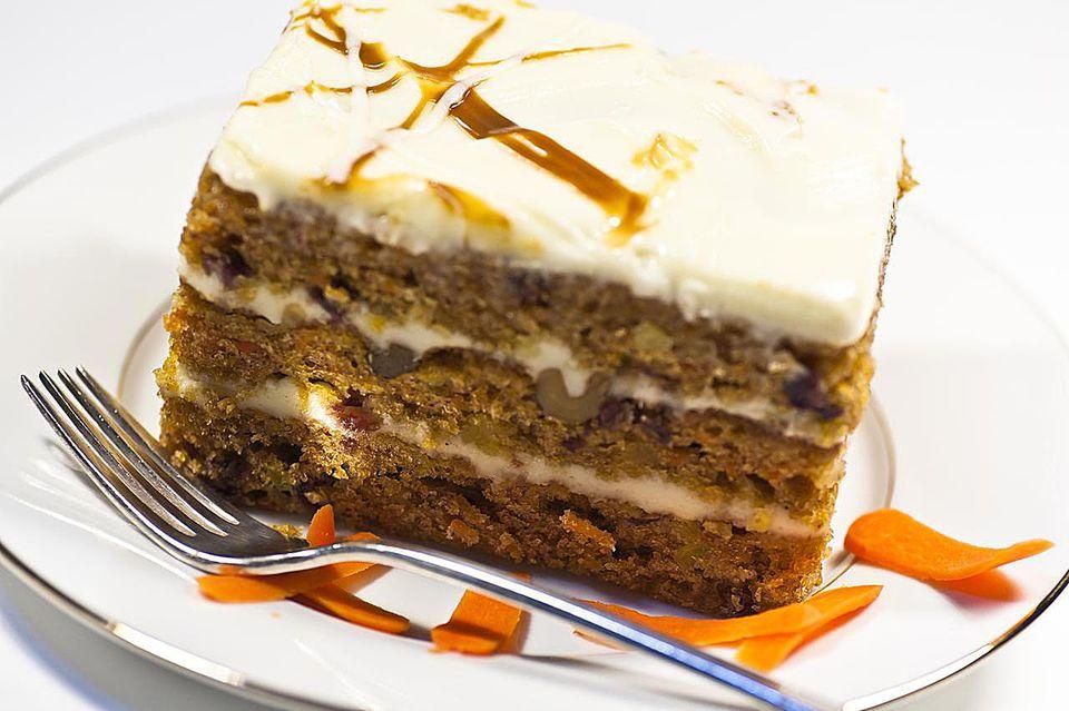 Layer cake dessert