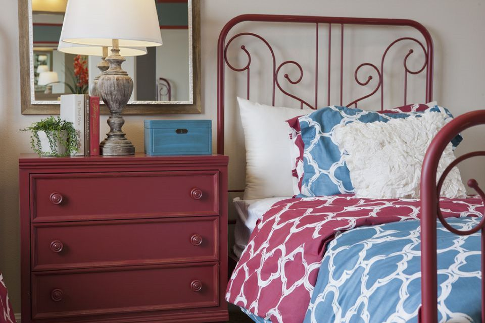 Blue and red bedroom. Blue Bedroom Decorating Tips and Photos