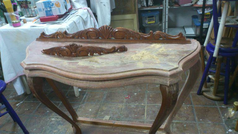 Pintar muebles de madera decorarlos y transformarlos for Pintar un mueble de blanco