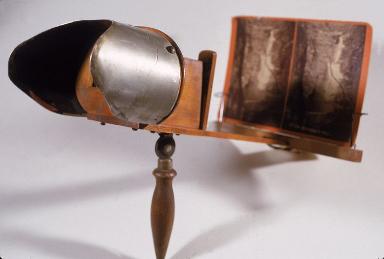 Photograph of a 19th century stereoscope
