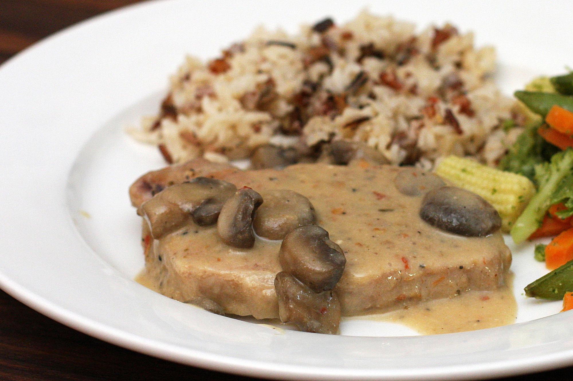 recipe: sour cream gravy pork chops [39]
