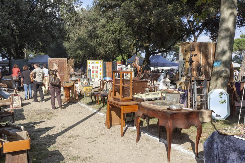 Antique furniture and housewares at garage sale