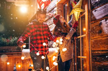 Learn To Hang Outdoor Christmas Lights - Christmas Lights For Outdoors