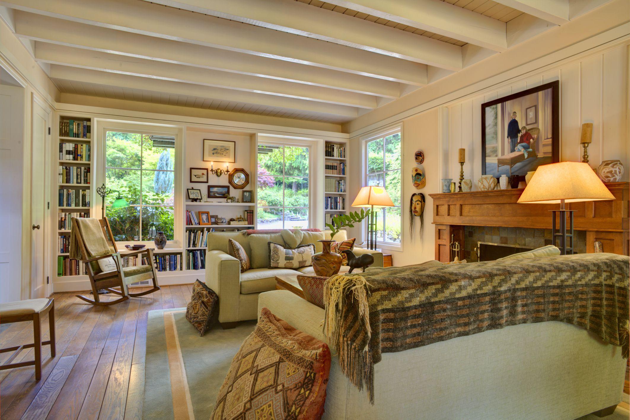 Room Arranging: 8 Furniture Arranging Mistakes