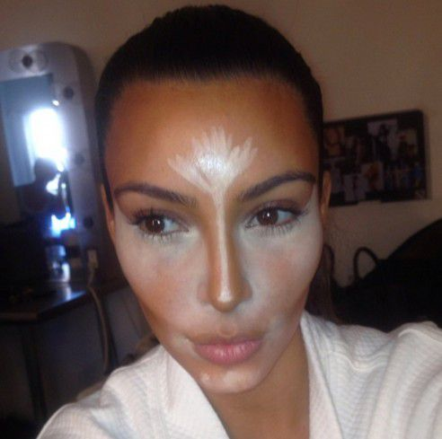kim-kardashian-line-down-nose.jpg