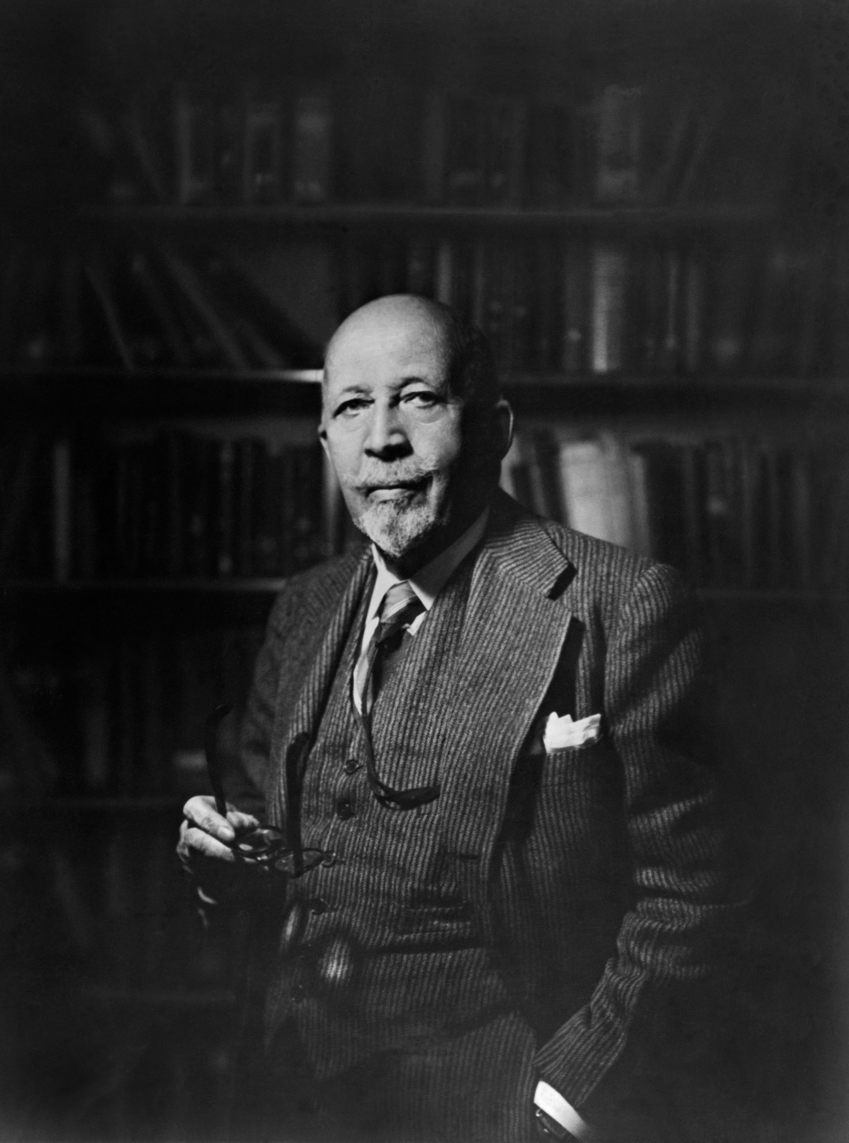 booker t washington race problems essay Essay on comparing web dubois and booker t washington  t washington  and w e b du bois' strategies for dealing with problems faced by african  americans  he also had a major influence on southern race relations and was  a.