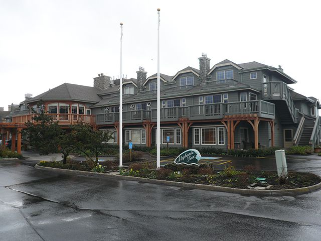 The Stephanie Inn in Cannon Beach Oregon ©Angela M. Brown