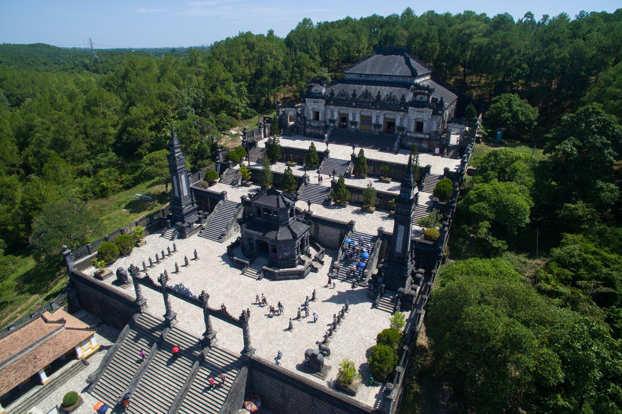 East Side Auto >> Walking Tour of Khai Dinh Royal Tomb, Hue, Vietnam