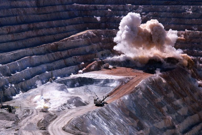 COPPER MINING DISCHARGE, CHILE