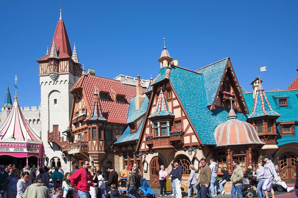 Pinocchio Village Haus Restaurant, Fantasyland, Magic Kingdom