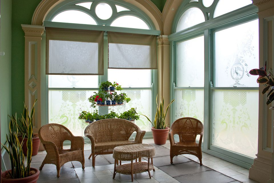 12 tips for decorating a sunroom for Decorating a sun room
