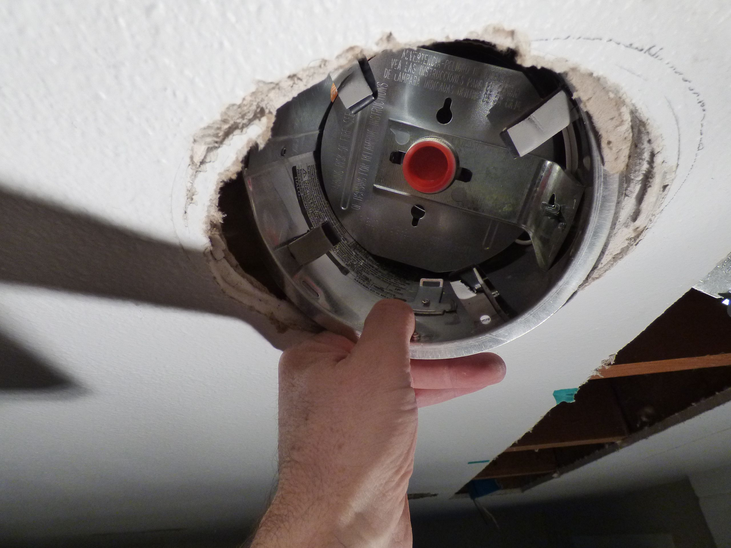 Easy Fix For Ceiling Hole Too Big For Recessed Light