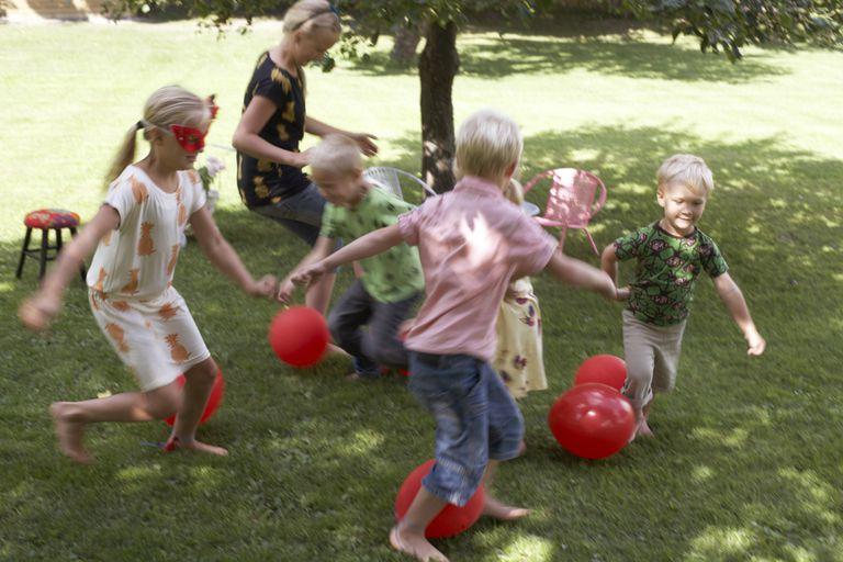 Balloon game - manipulative skills