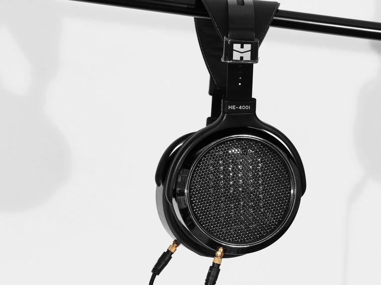 A side shot of the HiFiMan HE-400i planar magnetic headphones