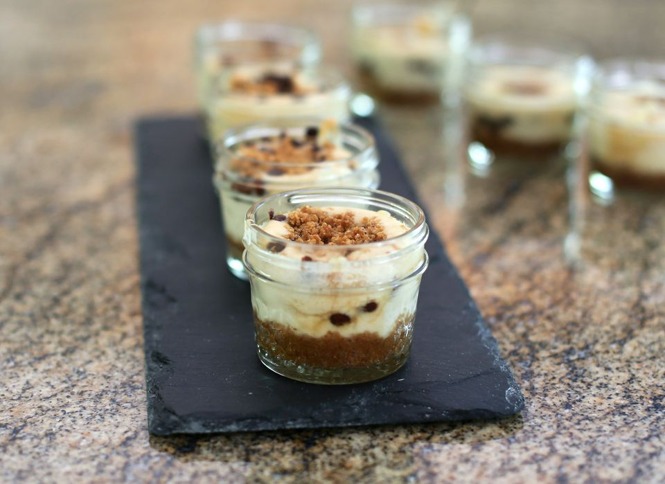 Praline Cheesecakes in Jars