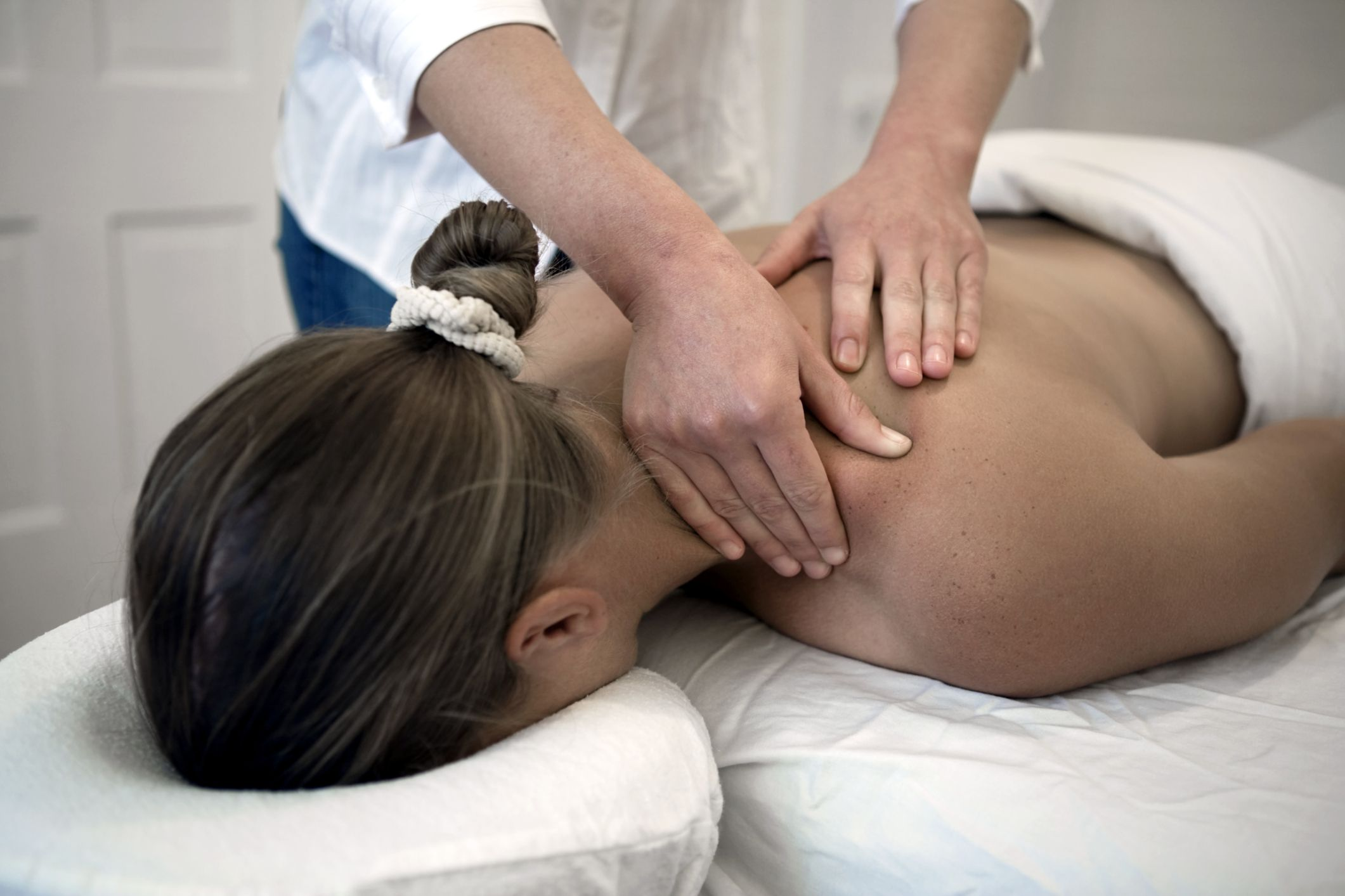 Deep Tissue Massage Everything You Need To Know-2229