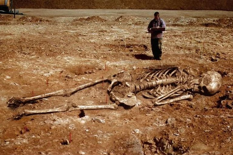 Nephilim Bones and Giant Human Skeletons in Greece