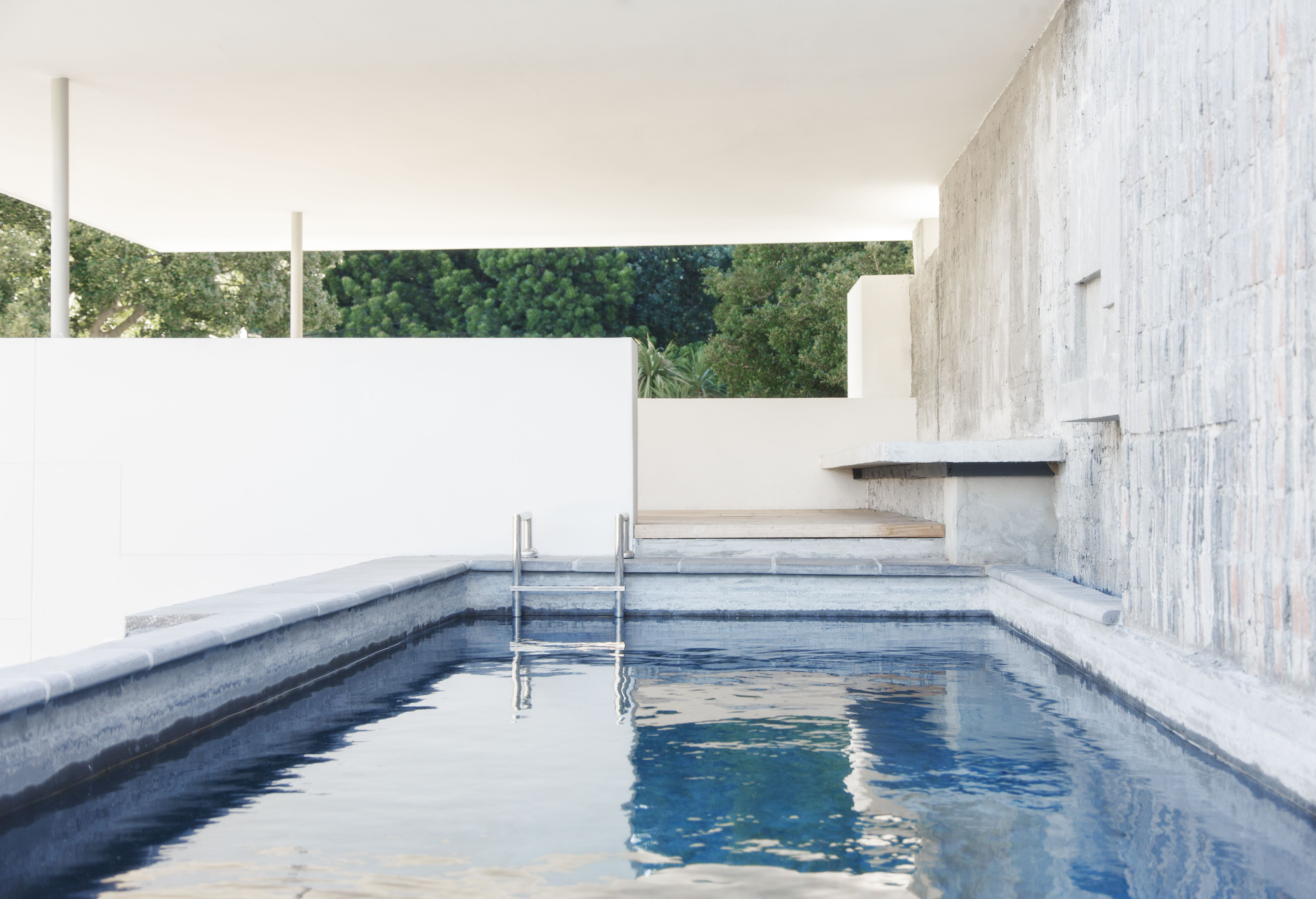 How To Smooth Wrinkled Vinyl Swimming Pool Liners