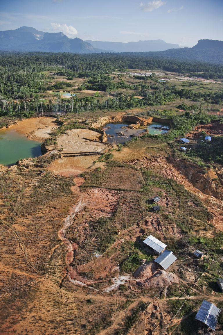 Gold mining in Venezuela
