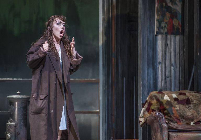 actress portraying Mimi in the opera La Boheme