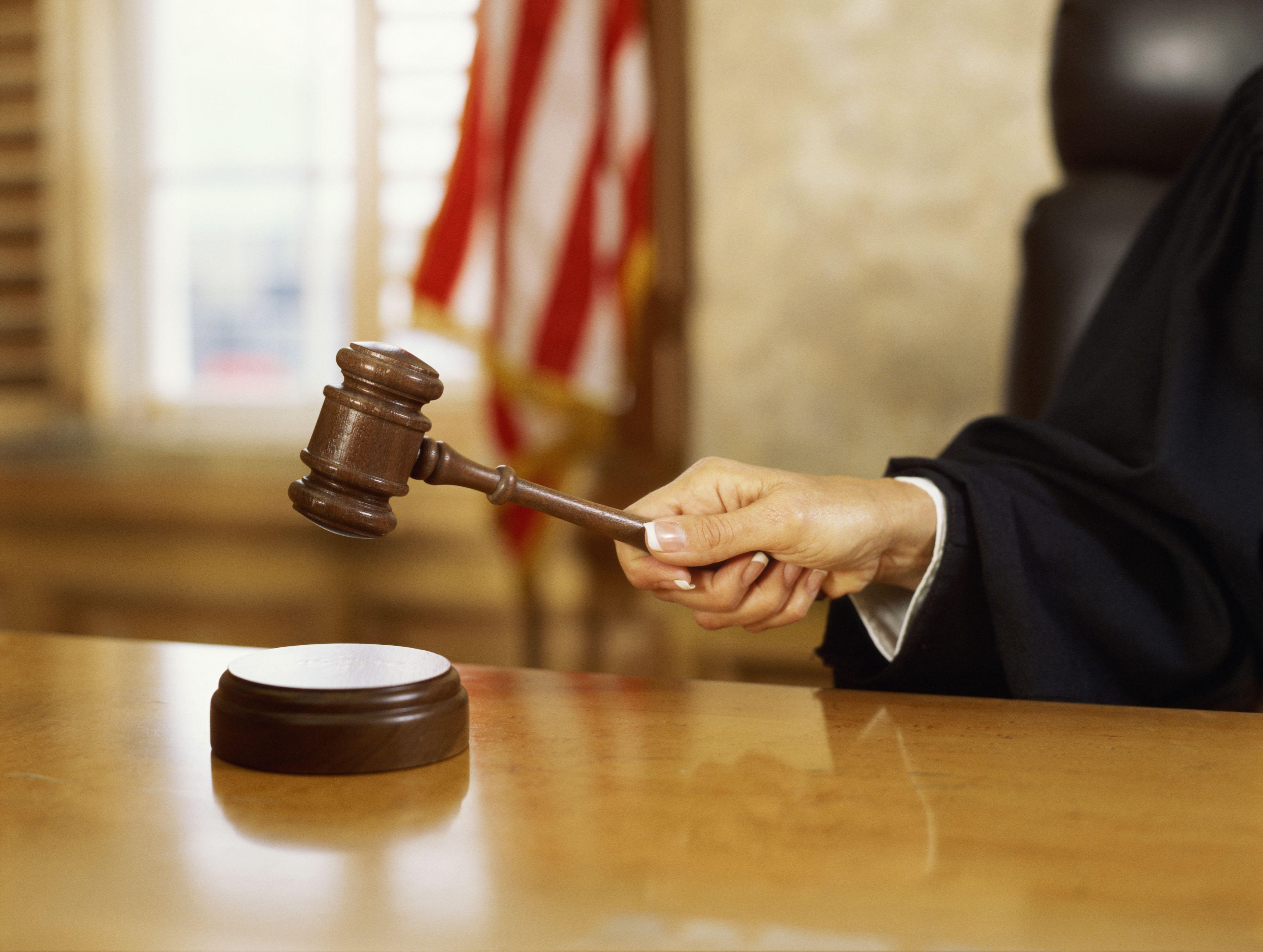 Judicial Restraint >> Judicial Restraint Definition and Examples