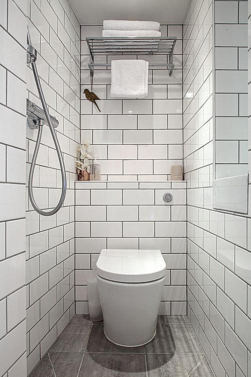 7 great ideas for tiny bathrooms for Very small toilet ideas