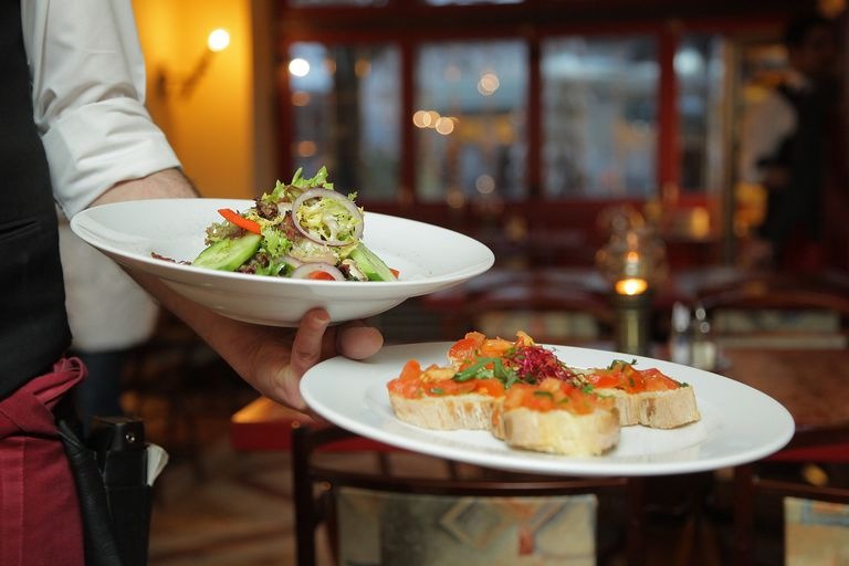Outsourcing can save your restaurant money