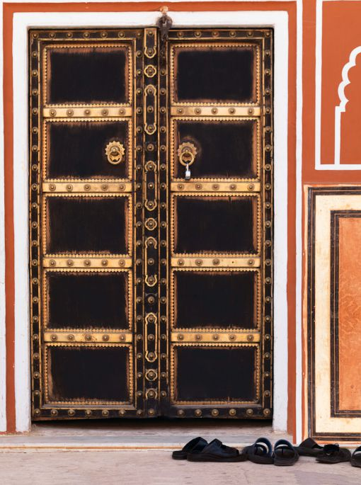 Feng shui or vastu shastra for your home for Traditional main door design