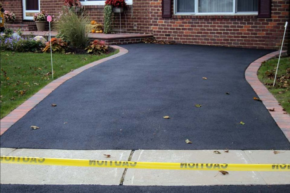Asphalt driveway installation comprehensive guide new asphalt driveway 1500 x 1000 solutioingenieria Choice Image