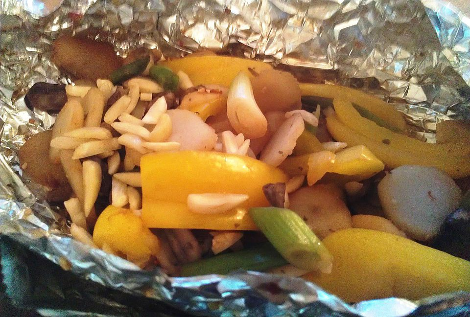Grilled Asian-Style Veggie Packets