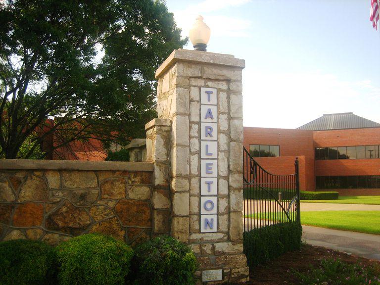 Entrance to Tarleton State University