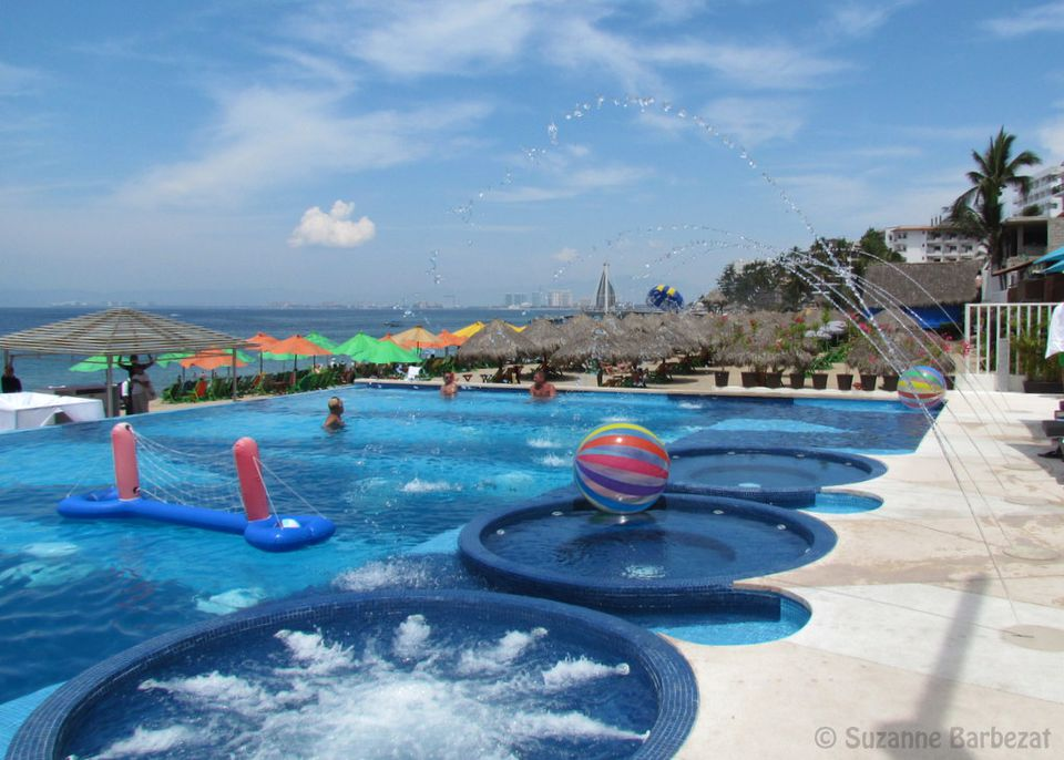 Mantamar Beach Club Pool