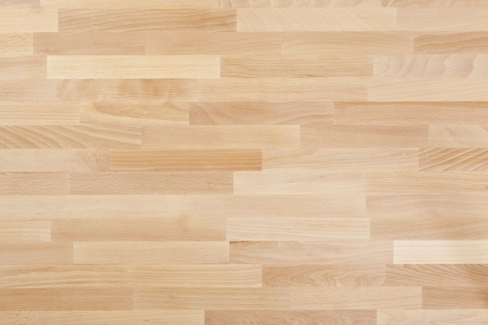 Does laminate flooring scratch easily from dogs gurus floor for Wood flooring illinois