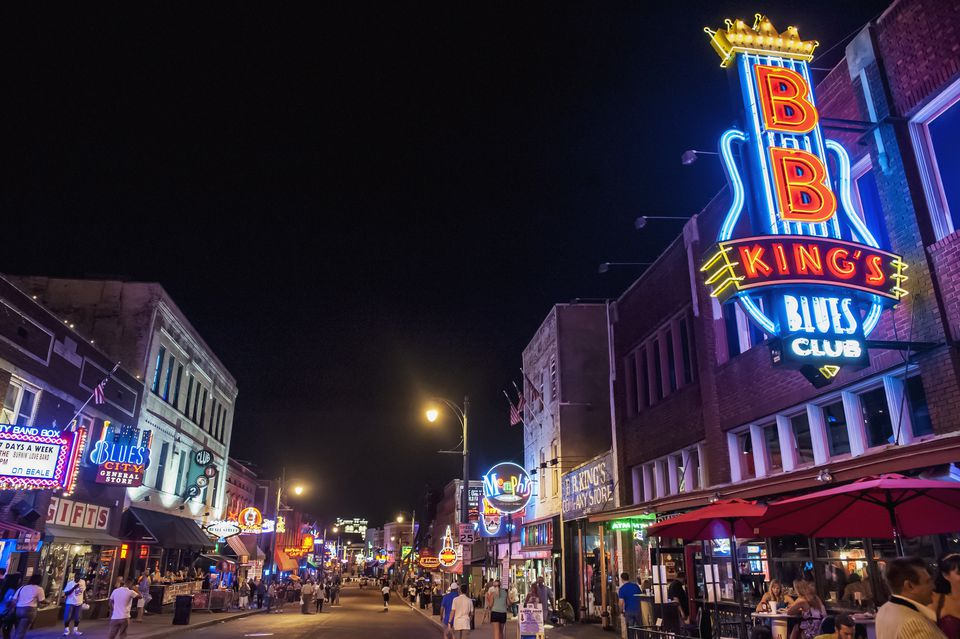 USA, Tennessee, Beale Street at night