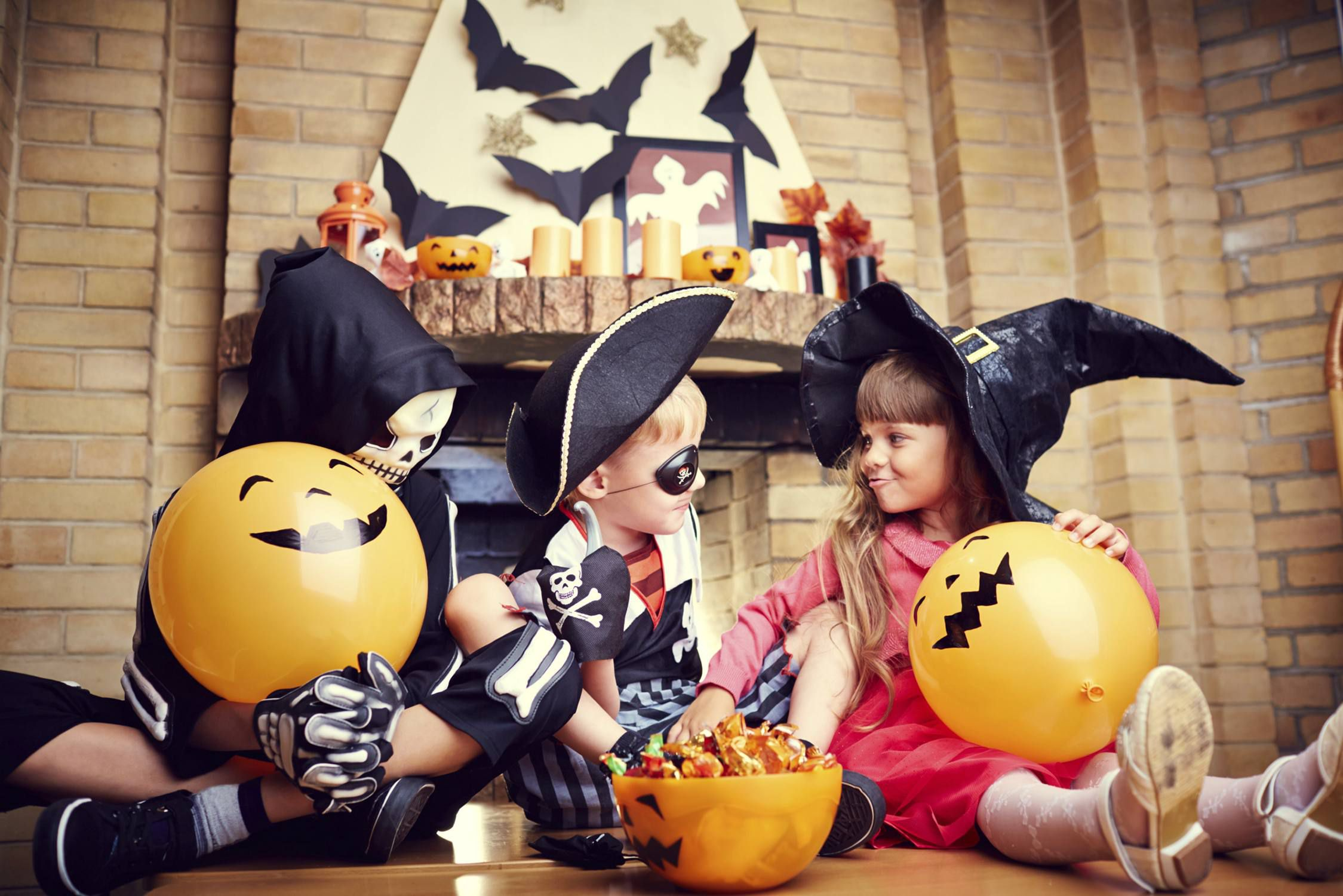 Kid friendly halloween party ideas that aren 39 t scary for Where to have a halloween party