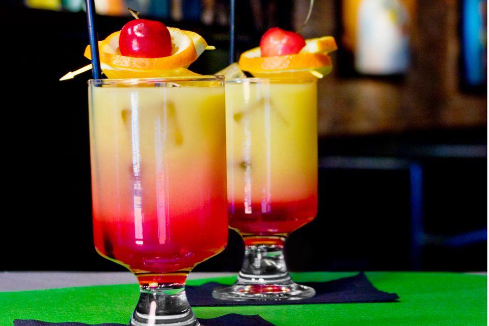 Sweet Sunrise Mocktail Recipe: A Virgin Tequila Sunrise on