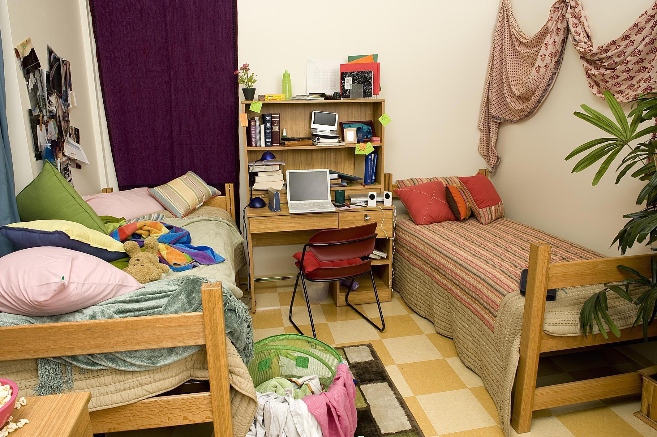 diy dorm decorating ideas tutorials tips videos. Black Bedroom Furniture Sets. Home Design Ideas