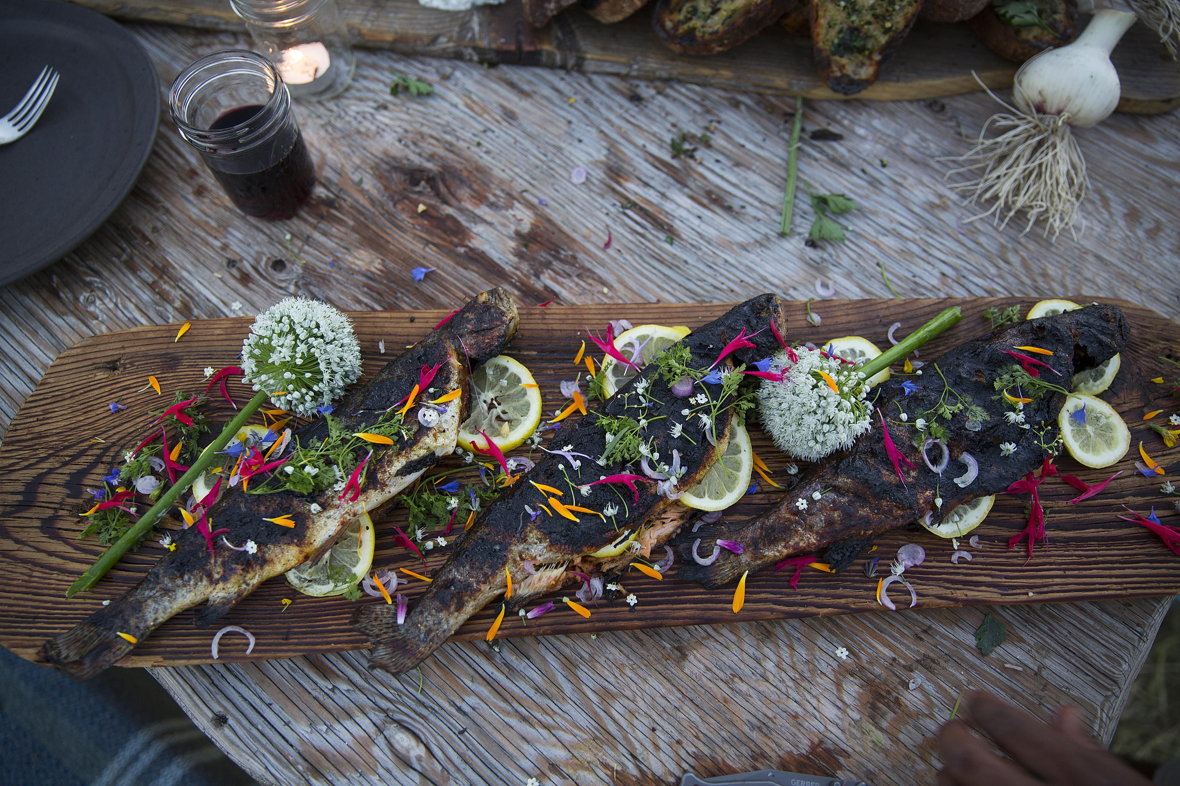 How to grill fish on a cedar plank for Grilling fish on cedar plank