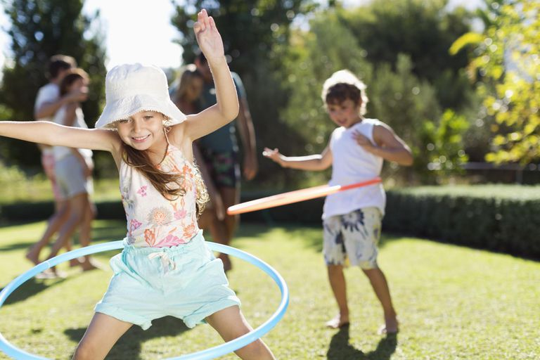 Hula hoop games - the classic spin