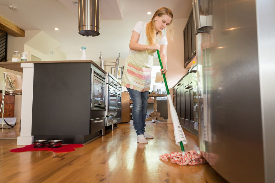 9 laminate floor cleaning mistakes and how to fix them. Black Bedroom Furniture Sets. Home Design Ideas