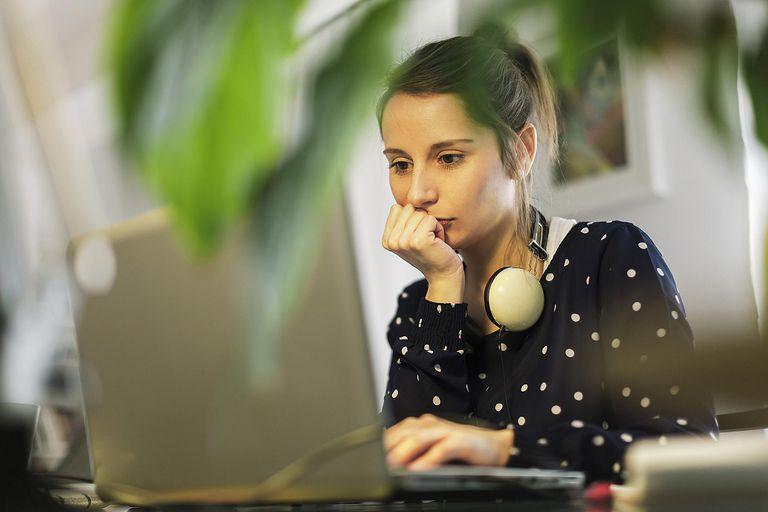 Laptop-Headphones---Westend-61---Getty-Images-501925785.jpg