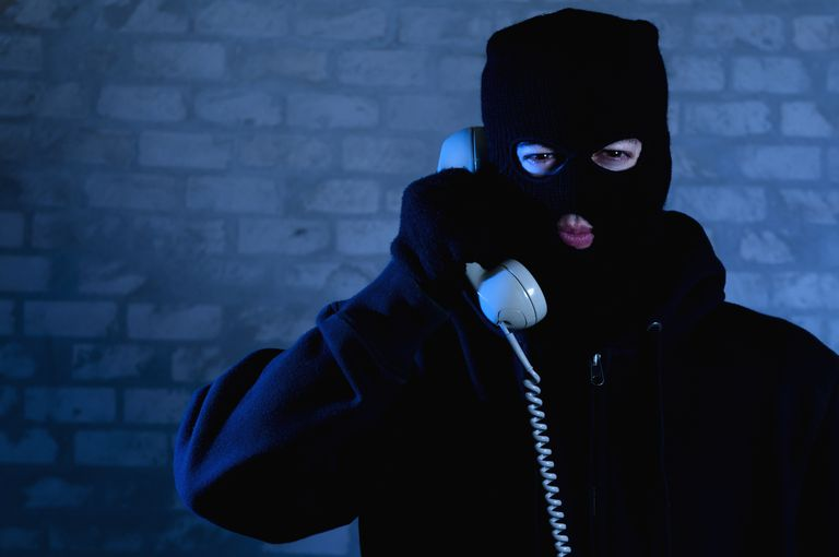 Scammer on the telephone