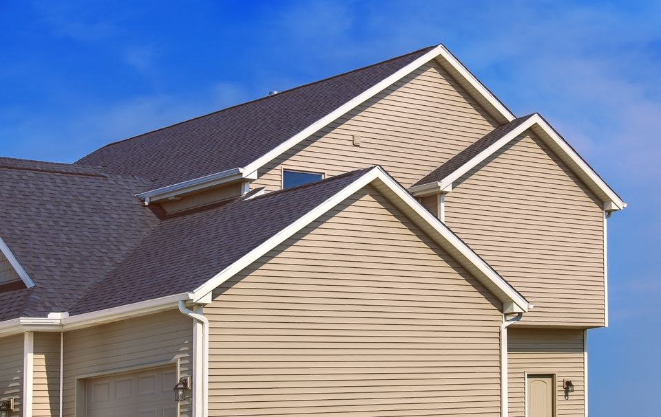 The seven deadly sins of vinyl house siding for Vinyl siding contemporary homes