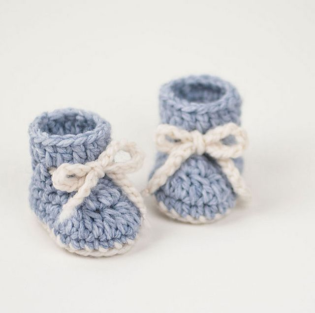 15 adorable baby bootie crochet patterns crochet snowflake baby booties ccuart Choice Image
