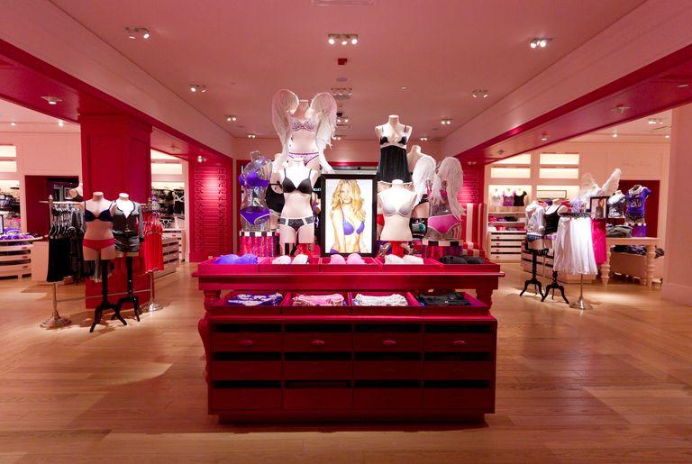Victoria's Secret store display