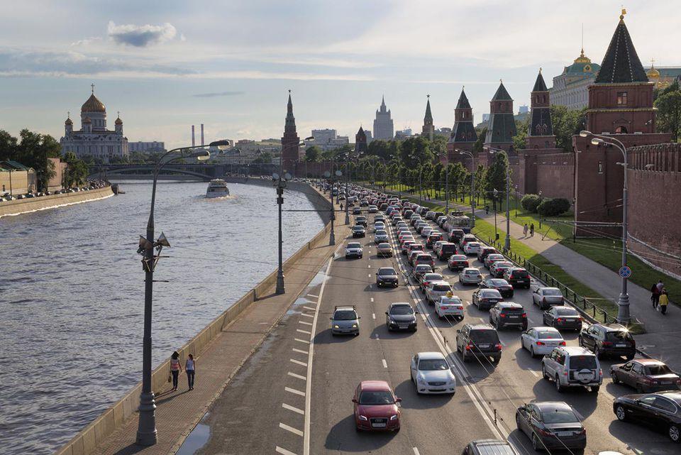 Heavy traffic outside the Kremlin