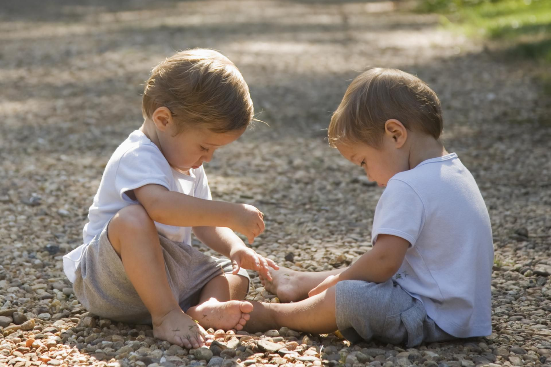 11 Surprising Facts About Fraternal Twins