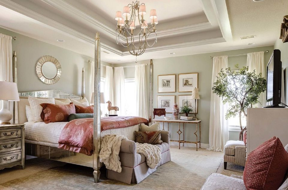 Decorating a beautiful master bedroom